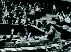 Knesset approves Golan annexation, 1982.