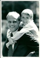 Magdi Yacoub with Andrew Wilkie.