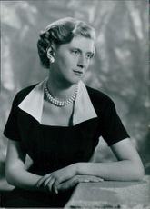 Portrait of Miss Marilyn Reynolds.
