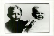 A young Ronald Reagan (right) along with his brother Neil who is two years older