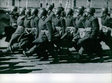 The Persian army marching.