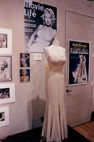 "The dress that Marilyn Monroe had in the movie ""How to Get a Millionaire"" is to be auctioned"