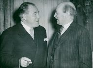 Prime Minister Hans Hedtoft together with English colleague Clement Attlee at a lucnh at the Danish Embassy in London