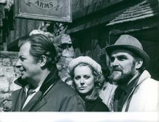 """Tommy Steele, Stanley Baker and Fiona Lewis on the set of """"Where's Jack""""."""