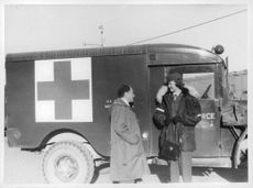 Lieutenant Lillian Herczeg talks to our staff Alfred Fischer before the exit to one of Thule Outside Posted