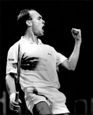 Jan Gunnarsson commends the victory over Boris Becker in Stockholm Open 1989
