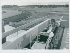 The racetrack. Twelve-year-old Walter Christiansson from Ulriksdal proves the prototype of the chair