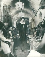 Fashions: champagne cellar in pull mall.