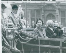 Professor Theodor Heuss and Queen Elizabeth during the voyage from Victoria Station in London, to Buckingham Palace.