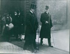 King Gustaf V walking with other people, 1914.