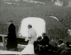 Overview of the public at the 1952 Winter Olympics