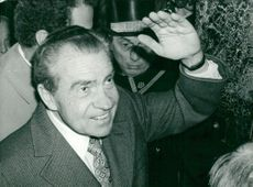 Richard Nixon arrives at Claridge's in London brought a short visit