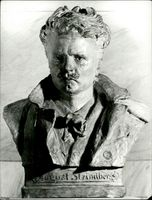 A bust of August Strindberg performed by German sculptor Max Levi