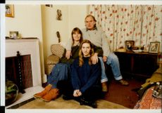 Kate Winslet in her childhood home together with her parents Sally and Roger.