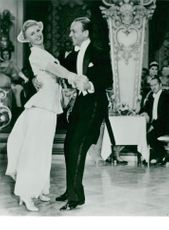 """Ginger Rogers and Fred Astaire in """"The Story of Vernon and Irene Castle"""""""