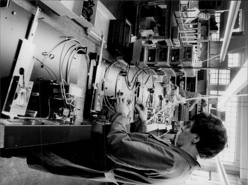 Thomas Heckrath in work at the small company ED Liesegang, which manufactures optics