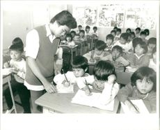 Welfare agencies manage to run schools for vietnamese children.