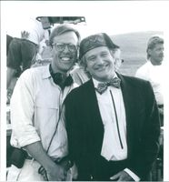 Producer Mark Johnson and Robin Williams on the set of Toys.