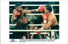 Frank Tate boxing against Norbert Nieroba at the World Boxing Union Championship