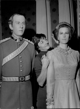 """Princess Anne and Captain Mark Phillip"" on Madame Tussaud's wax cabinet"