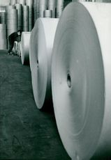 Here the paper is rolled out of stock at Fiskeby AB's plant in Skärblacka-Ljusfors