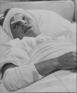 Lokbiträdet Tage Rönnlund in hospital bed after his bold tåghopp to stop the catastrophe