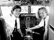 Evi Laumann and Nicola Lunemann are Lufthansa's first female pilots.