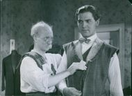 Helge Hagerman is acting in the movie : Kvartetten som sprängdes (1936)( The quartet that blew up)