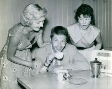 Marianne Andersson and Birgit Karlsson with BJ in Miss Style. 1955.