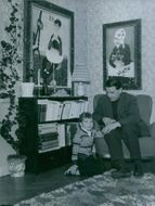 Olle Hagalund with daughter at home in 1956.