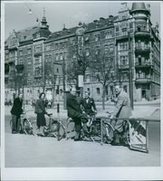 Einar Oscar Beyron and Brita Hertzberg on cycles with other people. 1942