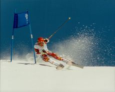 Unknown rider in the grand slalomist during Nagano OS 1998.
