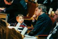 Carl Bildt with the son Nils in Parliament's 2nd chamber