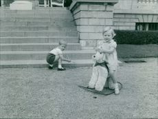 Albert II of Belgium's children playing.