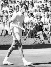 Fausto Gardini during the match against Janne Lundqvist in the Davis Cup in 1962