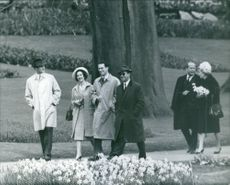 Elite people gathered in the garden. March 4, 1962