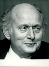 Sir Peter Thompson in a portrait.