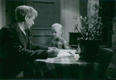 Sigurd Wallen and Britt-Lis Edgren in a scene from the film Karl Fredrik regerar.