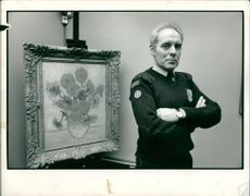 Vincent Willem van Gogh:under guard the most valuable sunfflower in the world.