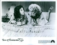 """Shirley MacLaine and Debra Winger in a scene from the film """"Terms of Endearment """"."""