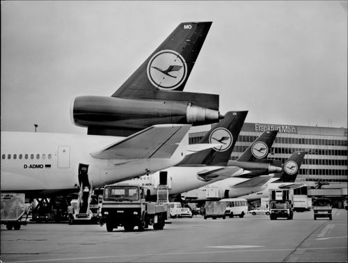 Parts of the Lufthansa fleet at the airport in Frankfurt.