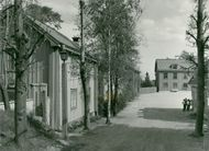 Sodertalje. The buildings are located as a block around a square with the Strömstedska house in the fund