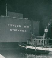The Dutch Hesselboat Ganges from England arrives at Finnboda lap