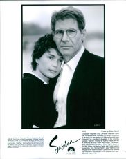 Harrison Ford as Linus Larrabee with Julia Ormond as Sabrina Fairchild.
