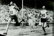 Final in 100 meters OS -1948. 1st Jamaican Wikt, 2nd English A. Mokenley.