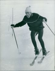 A man skiing.