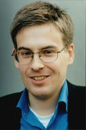 Portrait of Fredrik Delmar, researcher at the School of Economics