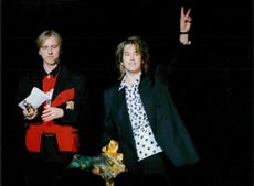 Per Gessle receives the Rock Bear by Erik Blix