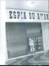 People in a closed shop, 1961.
