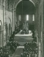 Interior from the cathedral's 800th anniversary. The king and the bishop Ostenfeld at the altar